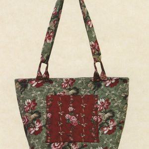 Newport Tote Pattern by Joan Hawley